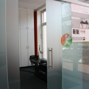 Blick in die SpineMED-Kabine in der Praxis Orthopädie am St.Lambertiplatz in Lüneburg.