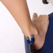 Foto einer SpineLiner-Therapie an der Achillessehne.