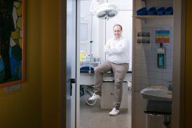Lasergestützte Denervation der ISG- und Facettengelenke